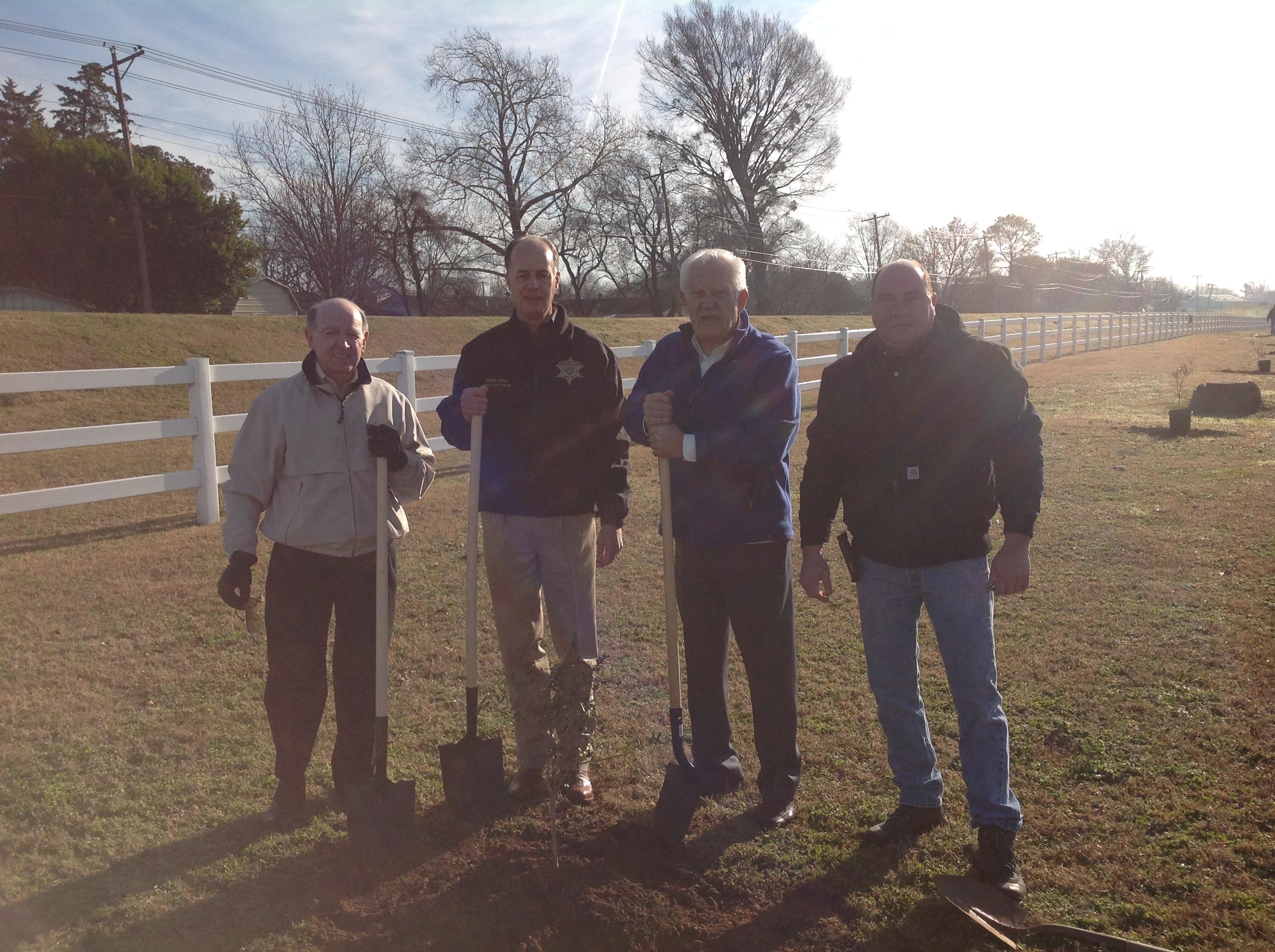 Mayor Lo Walker, sheriff Julian Whittington ,former state rep Billy Montgomery ,Tom Lawson